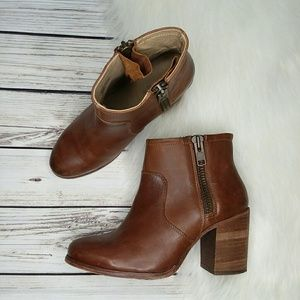 HINGE BROWN LEATHER ANKLE BOOTS HEELED BOOTIES